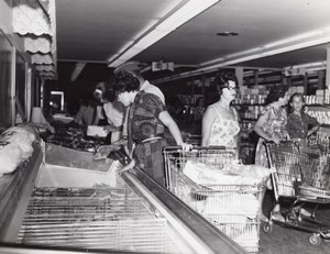 USA Scene at the Air Force Base Supermarket Military Old Photo 1964