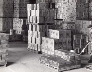 US Air Force Base Supermarket Warehouse Campbells Vim Tide Pallet Old Photo 1965
