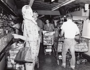 USA Scene at an Air Force Base Supermarket Military Old Photo 1964