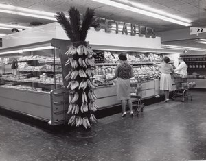 USA Banana Stand Air Force Base Supermarket Military Vegetables Old Photo 1965