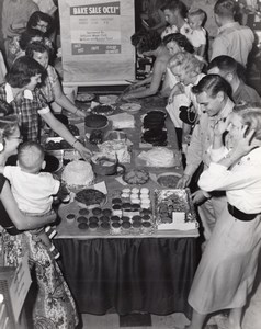 Orlando AFB? Air Force Base Military Bake Sale Families Old Photo 1960's