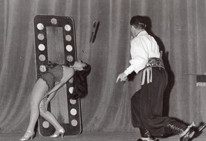 France Paris Salle Pleyel Knife Thrower Adolfo old Photo 1960