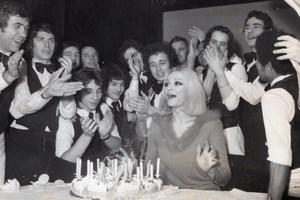 Actrice Italienne Raffaella Carra Anniversaire Alcazar Ancienne Photo de Presse 1973