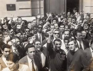 Paris Israel Embassy Six-Day War Volunteers old Press Photo 1967
