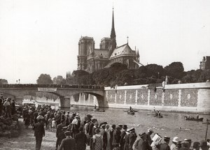 Swimming Across Paris Notre-Dame Cathedral Spectators old Meurisse Photo 1930's