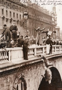 Paris Travaux Publics Students Pere Cent thrown in Seine Old Meurisse Photo 1935