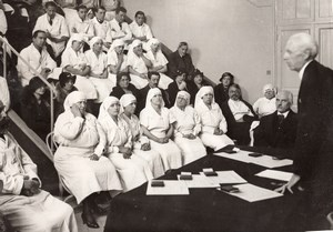 Paris Hopital Saint Antoine Nurses being Decorated old Meurisse Photo 1930's