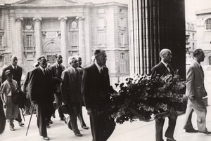 Paris Pantheon Friends of Jean Jaures Laying Wreath Flowers old Press Photo 1950