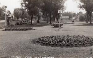 Nebraska Falls City Jardin Public Ancienne Carte Photo LL Cook EKC 1940