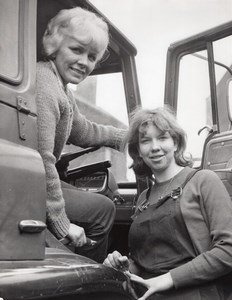 Sheffield Sisters Ann Shirt & Glenys Truck Drivers Haulage old Photo 1965