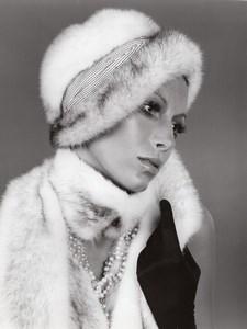USA 1960's Women Fashion Arnold of Emme Birch Mink Cuffed Toque old Photo