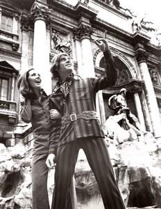 Rome Fontana di Trevi 1970's Couple Fashion J.P. Stevens Textile old Photo
