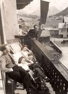 Allemagne? Montagne Repos sur le Balcon Drapeau Nazi Ancienne Photo de Presse 1942