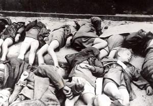 Germany Cologne Koln Victims of British Bombardments old Press Photo 1943