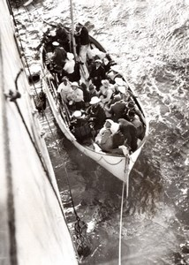 WWII South Africa Liner Watussi Passengers in Lifeboat old Photo 1939
