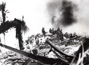 Kiribati Gilbert Islands Battle of Tarawa US Marines attack old Photo 1943