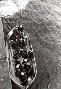 Mediterranean Sea? Salors Prisoners in Lifeboat WWII old Photo 1939