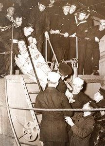 Newcastle Collier Sheaf Crest Sinking Survivor Rescue Stretcher old Photo 1939