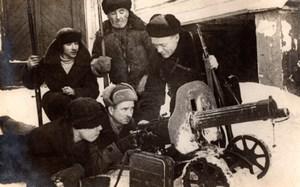 Russia in Winter Men & Machine Gun Rifles Military 2 old Photos 1951
