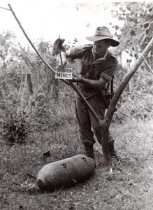 Malaysia North Borneo WWII RAAF Bomb Disposal Worker old Press Photo 1945