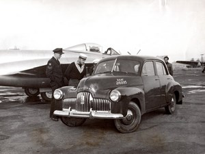Japan? RAAF Meteor Jet Fighter & Holden Automobile Aviation old Photo 1953