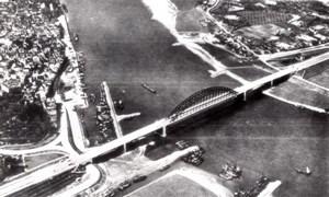 WWII Nijmegen? Rhine Bridge captured by Allies old Photo 1944 later print 1950's