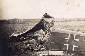 German Plane Brought down near Nesle Somme Aviation WWI old Photo 1914-1918