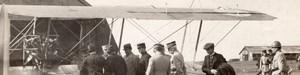 France Aviation Militaire Biplan Inspection? Officiers Ancienne Photo Panoramique 1914
