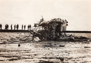 United Kingdom Aviation Crashed Airplane recovered from Thames old Photo 1920's?