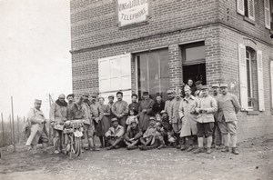 France WWI Soldiers et Villagers in front of Café Wine Shop old Photo 1914-1918