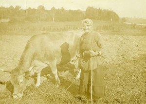 France Mere Gribiche et sa Vache Cow Countryside Old Photo Raumains 1896