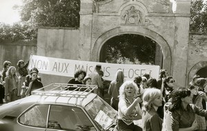 France Chanonat Prostitutes protest at Giscard d'Estaing House Old Photo 1975