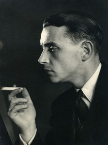 France Paris Photographer Andre Rossignol smoking self portrait Old Photo 1940