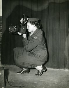 USA WWII Woman Military Photographer Camera Old Photo 1945