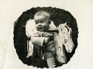 France Bebe sur Cheval à Bascule Jeu d'Enfants Jouet Ancienne Photo Amateur 1910