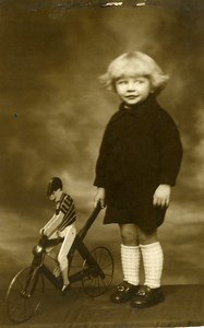 France Jouet le Cycliste Velo Jeu d'Enfants Ancienne Photo Amateur 1930