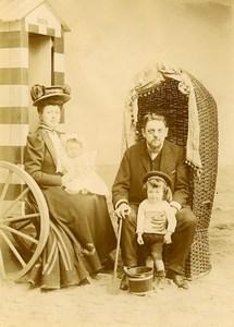 Belgique Ostende Famille Posant Cabine de Plage Jeux Ancienne Photo Amateur 1900