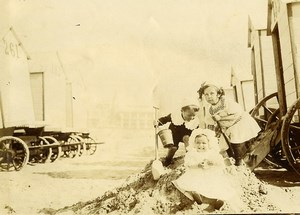 Belgique Ostende Jeu d'Enfants Cabines de Plage Ancienne Photo Amateur 1900