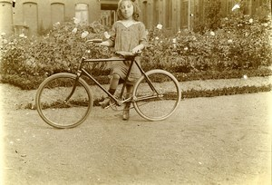 France Fillette Cycliste Velo Jeu d'Enfants Ancienne Photo Amateur 1930