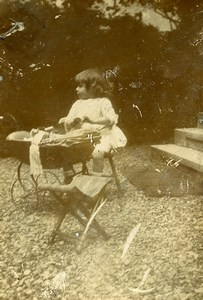 France Fillette Landau de Poupée Jeu d'Enfants Ancienne Photo Amateur 1916