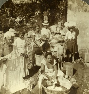 Panama Indian Native Women doing Laundry Old Stereoview Photo Underwood 1904