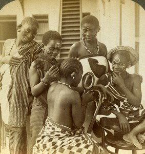 East Africa Zanzibar Swahili Women Hair dressing Stereoview Photo Underwood 1909