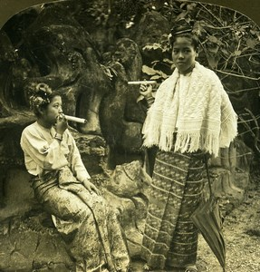 Burma Burmese Women smoking huge Cheroots Old Stereoview Photo HC White 1907