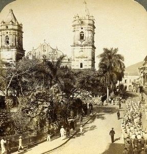Panama City Soldiers going to the Cathedral Old Stereoview Underwood 1904