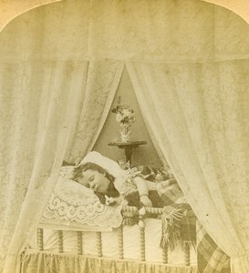 USA Child asleep in Canopy Bed Dreams Old Littleton View Stereoview Photo 1889