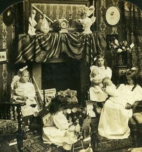 Scene de Genre Christmas Morning Girls & Dolls HC White Stereoview Photo 1904