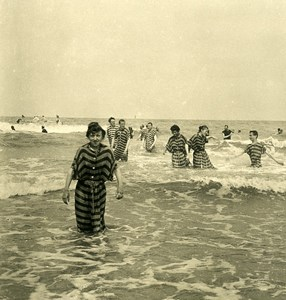 Belgium Ostend Oostende Group of bathers Old NPG Stereoview Photo 1900's
