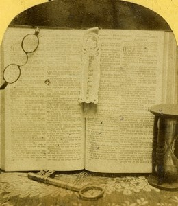 United Kingdom Open Book Key Glasses Sand timer Old Stereoview Photo 1870