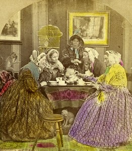 Brewing a scandal Gossiping Tea Time Scene de Genre Old Stereoview Photo 1860
