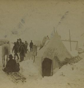 USA Alaska Chilkoot Pass Hop Beer Hut Shop Old Stereoview Photo Kilburn 1899